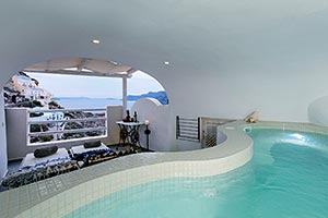Honeymoon Cave Suite with Hot Tub